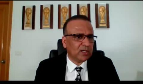 رئيس العامة التونسية الدكتور وديع الجرئ خلال الندوة